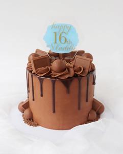 Chocolate Border Cake.jpg