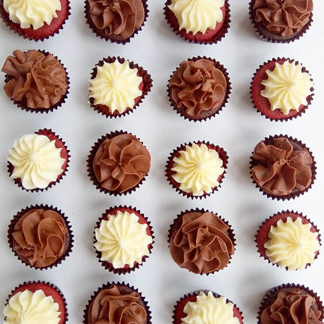 Simple minis in double chocolate and red