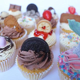 Gourmet Cupcakes 🧁 _I'll choose a winne