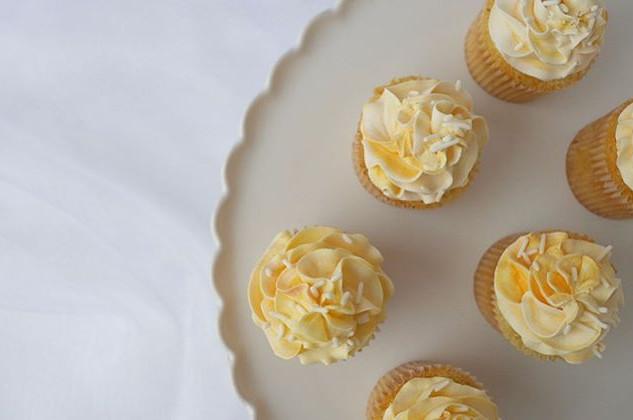 Simple lemon cupcakes - if I had to pick