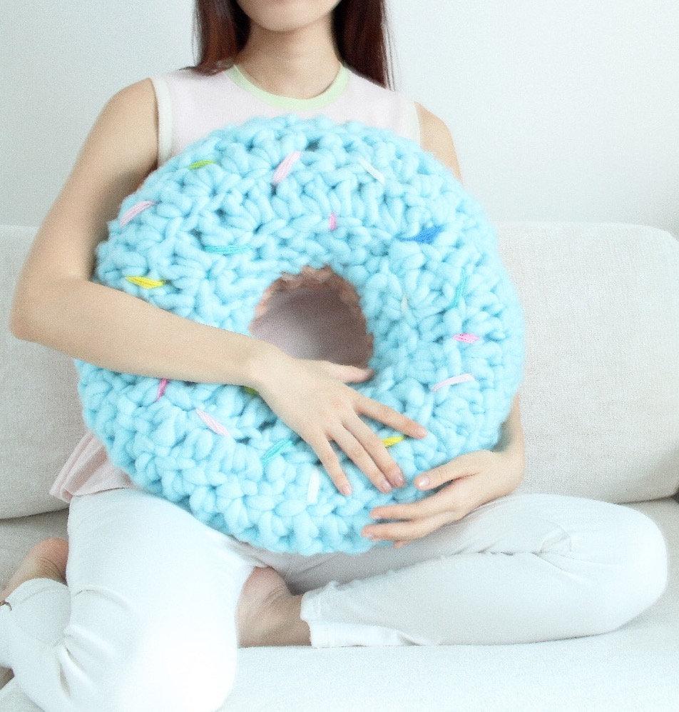 Beginner-Crochet Donut Cushion Workshop