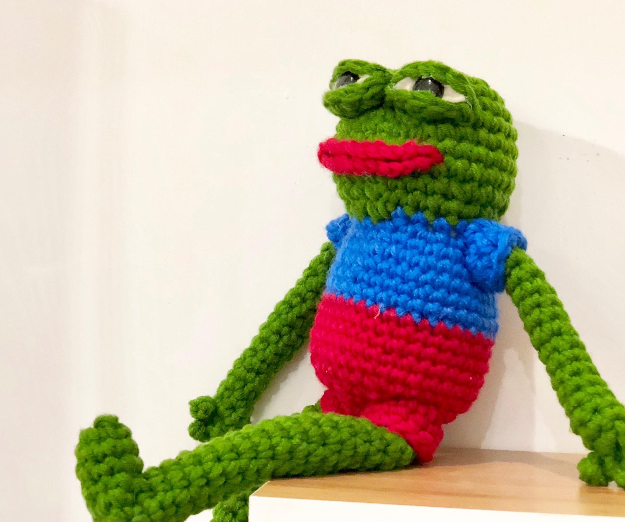 Easy-crochet pepe the frog workshop