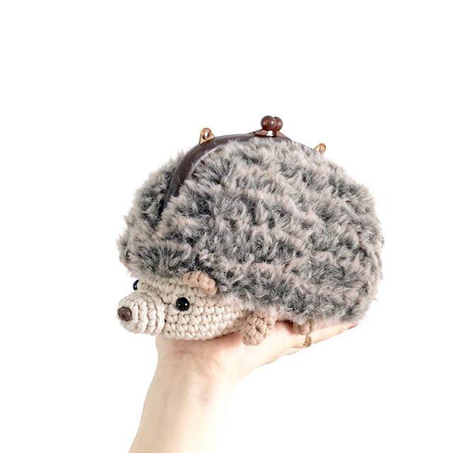 Easy-Crochet hedgehog purse workshop