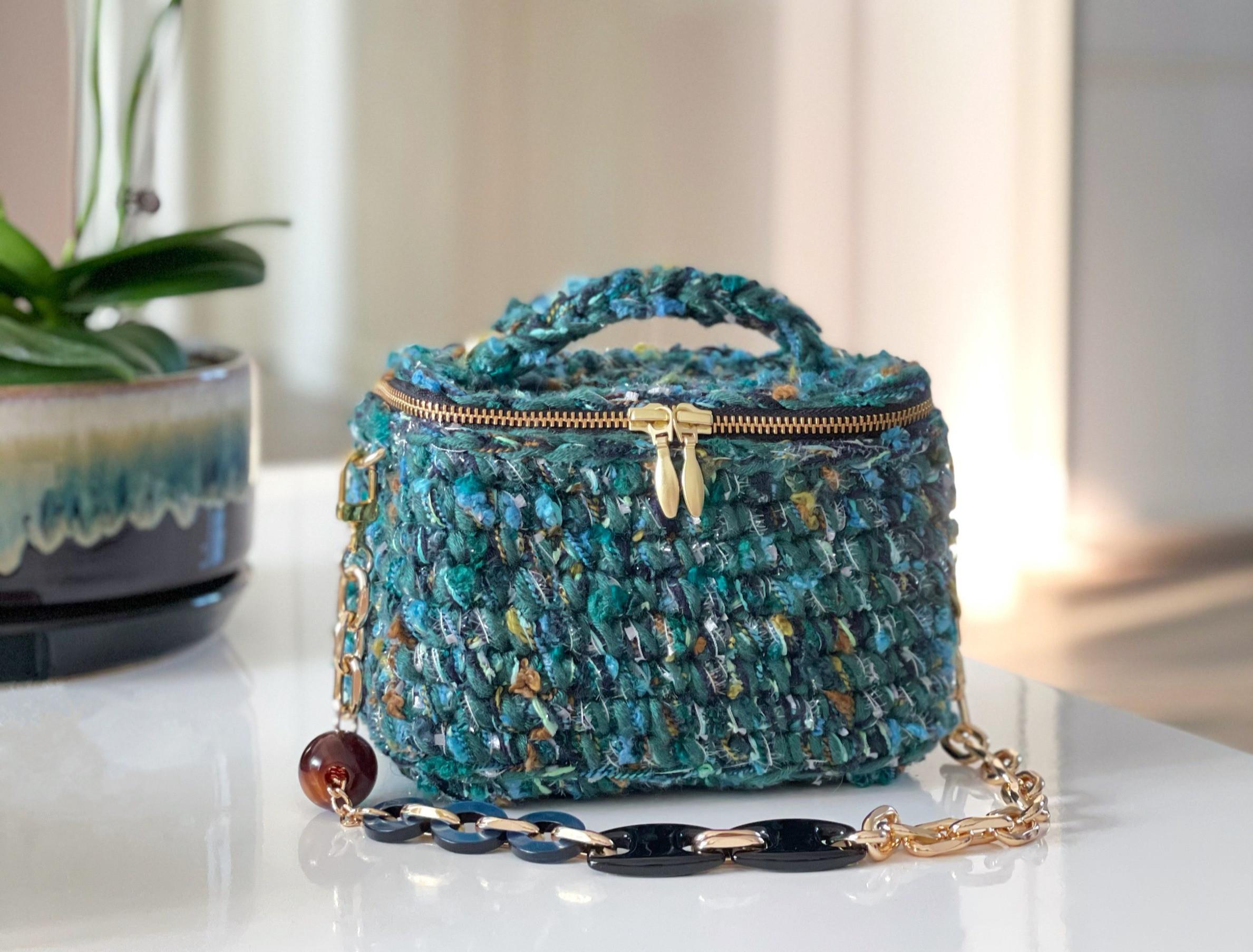 Beginner-Crochet Fancy Vanity Box Bag