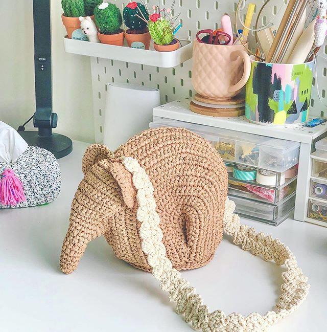 Intermediate-Crochet Elephant Raffia Bag
