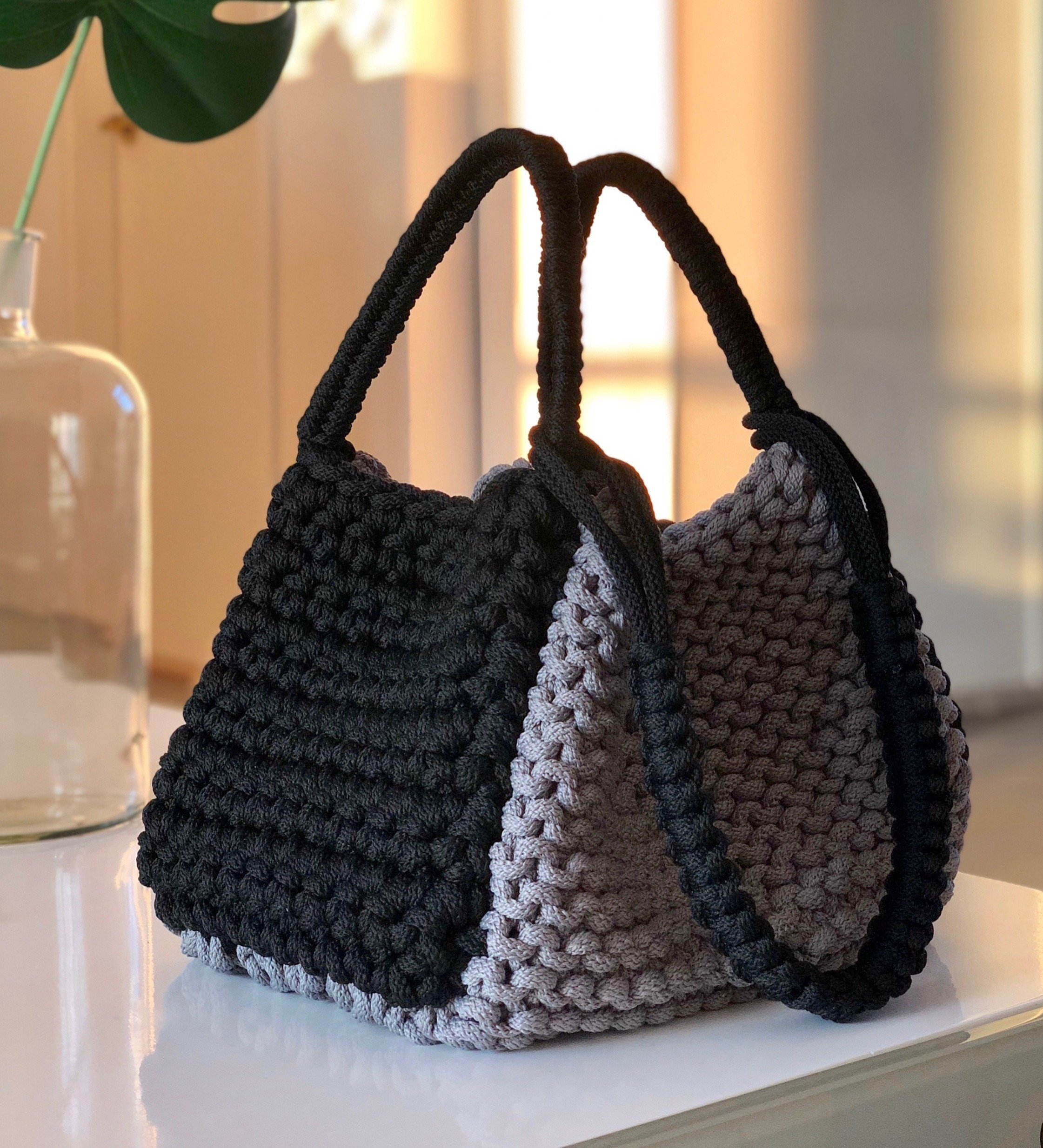 Beginner-Crochet 2 ways handbag