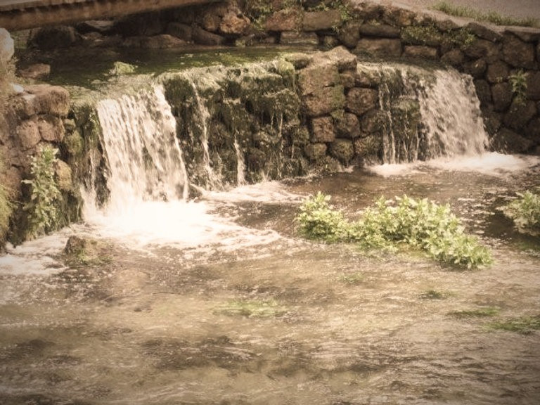 002_about_waterfallbanyas_003_edited.jpg