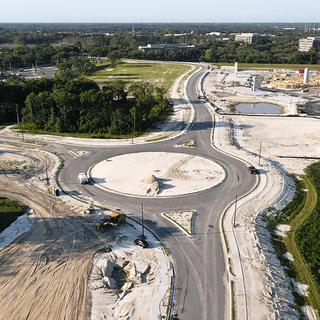 roundabout-lake-mark-img01.png