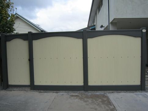 Arched Mini Orb fence.JPG
