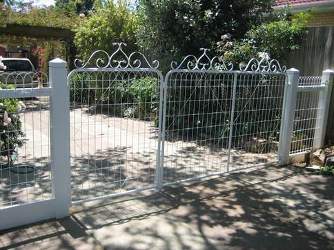 Wire Driveway , Pedestrian Gates.JPG