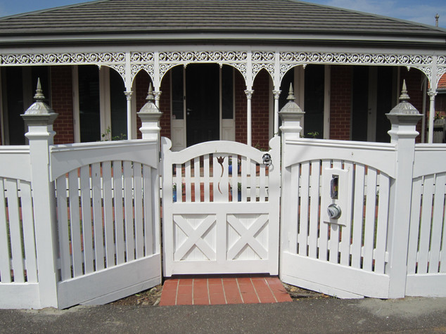 Ornate Gate & Picket.JPG