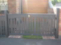 Driveway Gate Alternating Picket.JPG