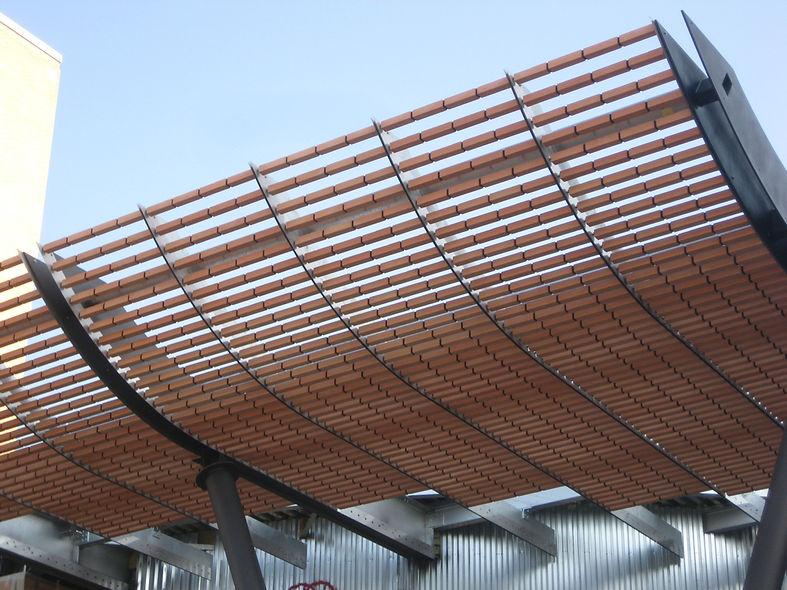 Progettazione, realizzazione, costruzione tettoie a sbalzo in alluminio, ferro, acciaio, legno, tettoie a sbalzo
