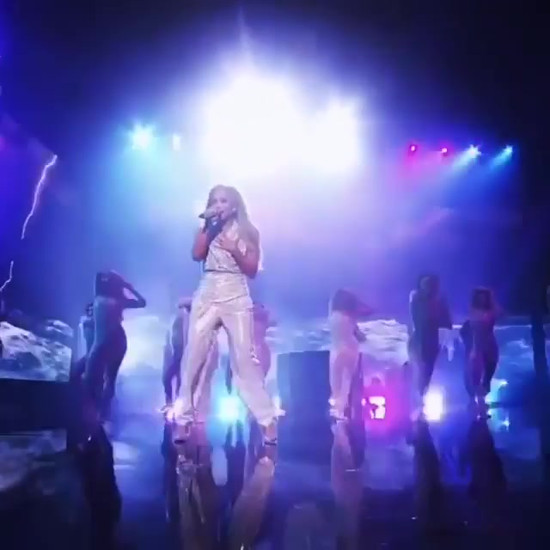 AMERICAN MUSIC AWARDS - JLO LIMITLESS PERFORMANCE