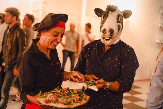 Cuando nuestras vacas se salen de la cabina y se van a comer por ahi...