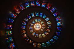 stained-glass-spiral-circle-pattern-1611