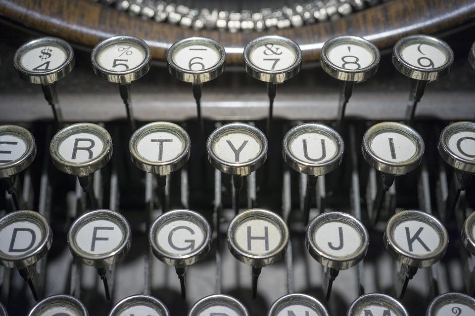 typewriter-1814675_960_720