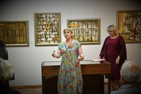 """картины из серии """"Открыто"""" в Астраханской государственной картинной галерее им. П. М. Догадина"""