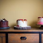 Centrepiece layer cakes