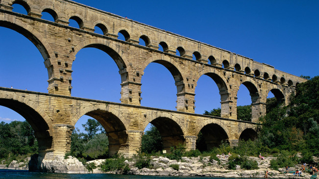 Around the Pont du Gard