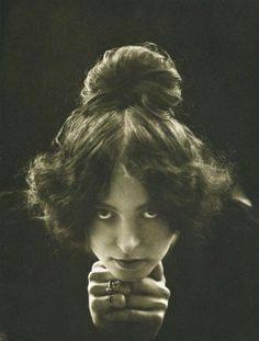 Edwardian, Edwardian hair, photography, vintage photography, great books, historical fiction, mystery novels, romance