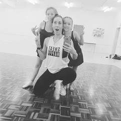 Dance classes with my two favorites 👌