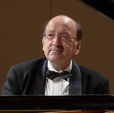 Prof. Manfred Fock 吕贝克音乐学院钢琴系教授.jpg