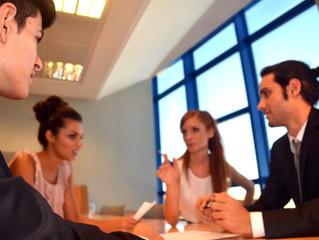 クビを切れない会社は社員に優しい?