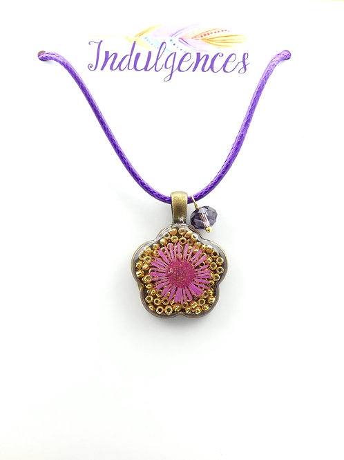 Pink flower in gold NKDI