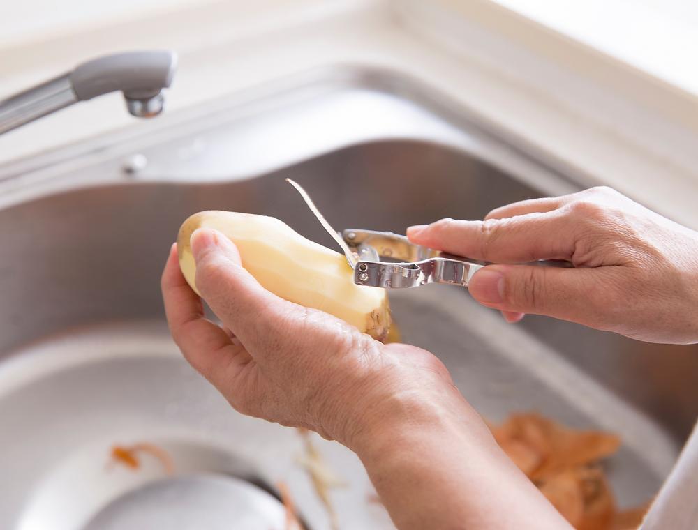 peeling potatoes, potato peels,
