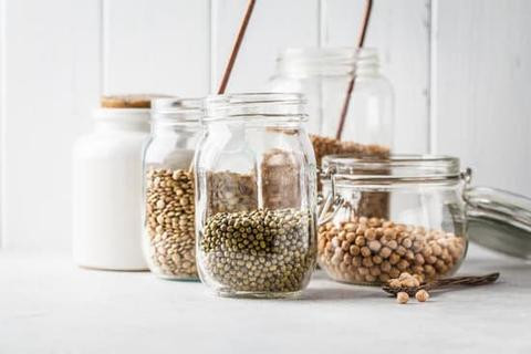 zero waste shopping, zero waste, bulk barn, bulk shopping, jar, mason jars, reusing jars, reusing, reducing waste