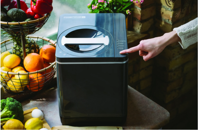 apartment composting methods, zero waste, food recycling, food waste management, gardening, food cycler