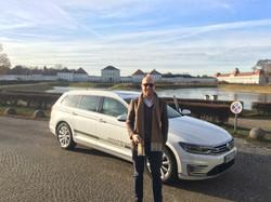 VW Passat GTE at Nympenburg castle