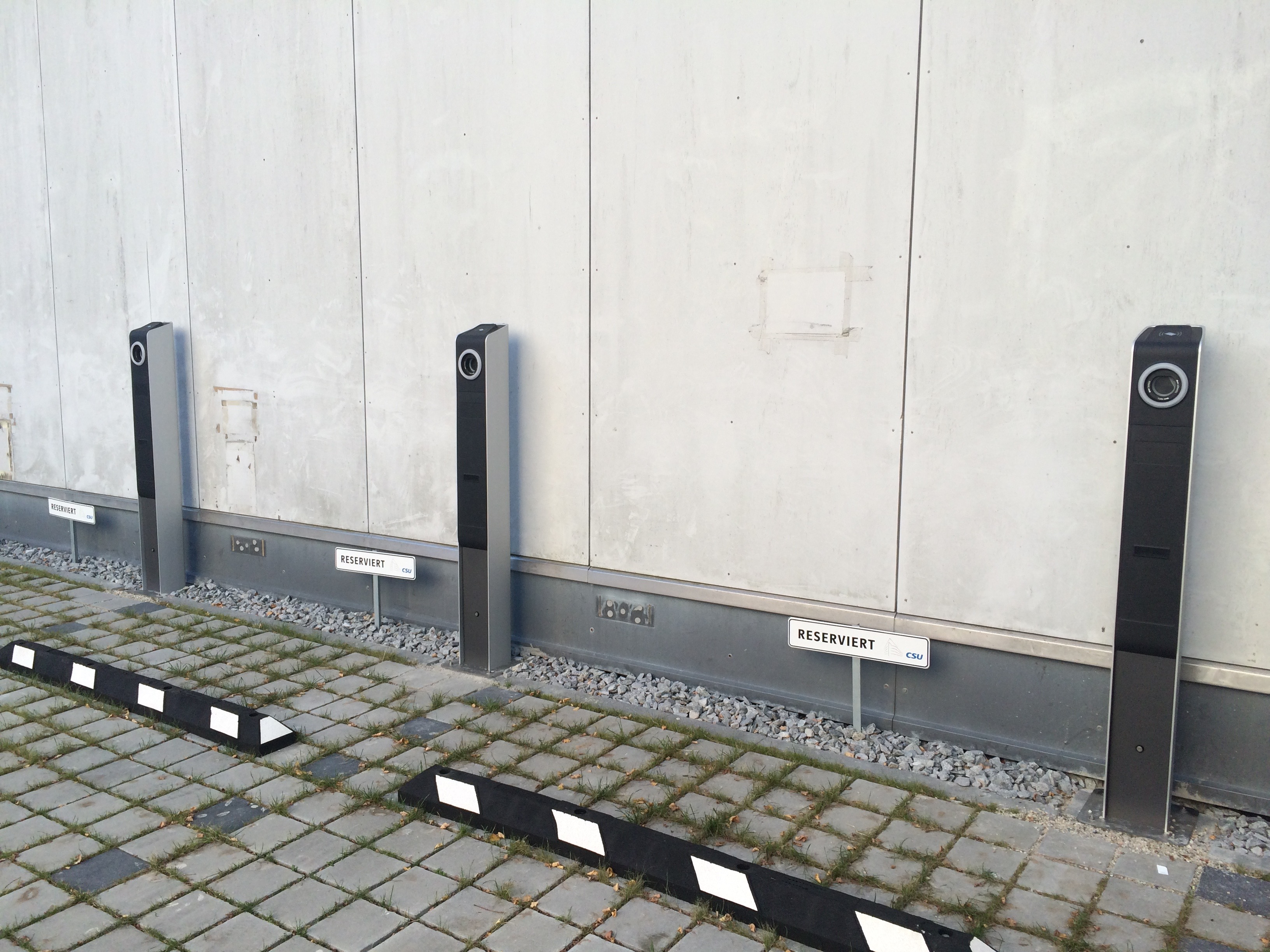 Light & Charge stations in Munich