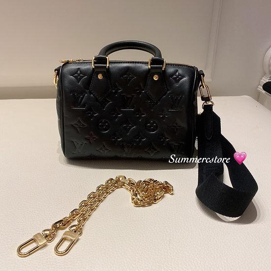 Louis Vuitton speedy 22 cm