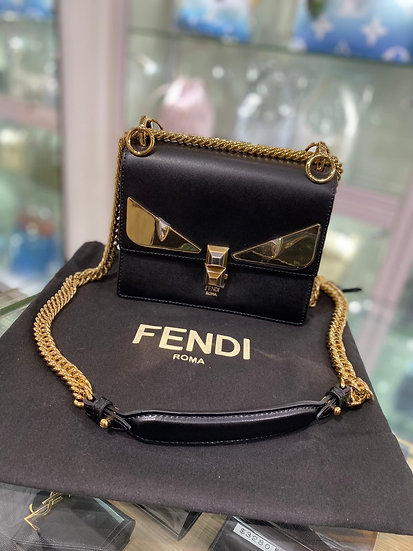 Fendi 怪獸款leather bag