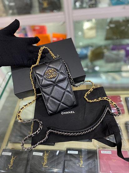 Chanel 19 電話包