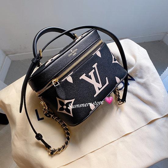 Louis Vuitton  vanity case pm size