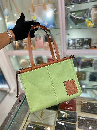Loewe tote bag (牛油果)