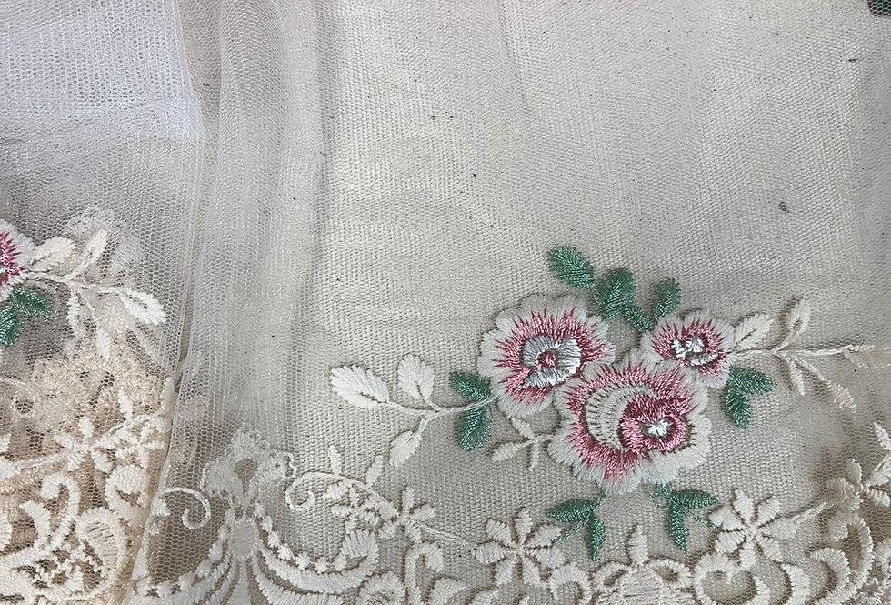 Renda tule floral