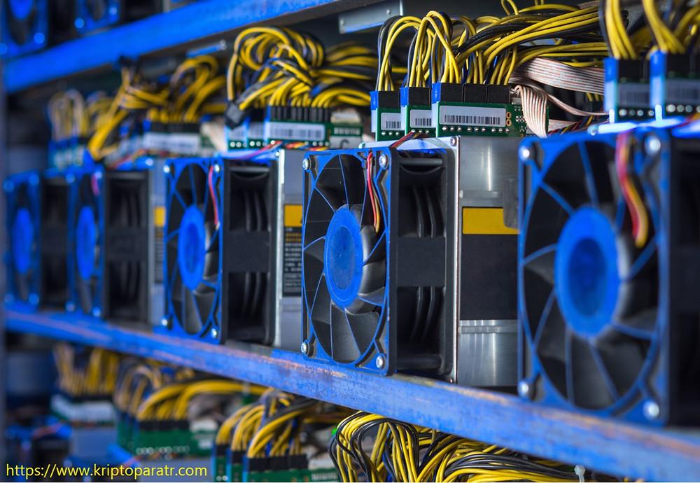 Madencilik ekipman üreticisi Ebang, Bitcoin borsasını başlattı