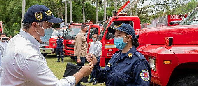 Duque pide gestionar la seguridad social para los bomberos
