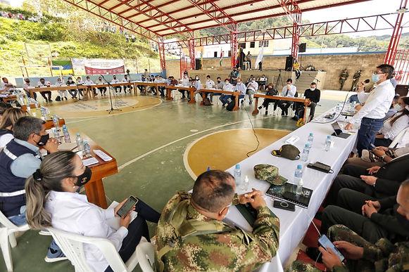 Hoy siguen las reuniones para buscar soluciones a la situación de los guaqueros