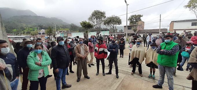 Campesinos impidieron una audiencia de proyectos mineros