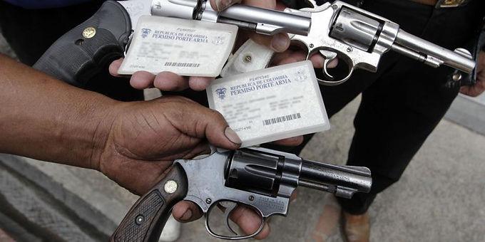 Prohibido el porte de armas este año