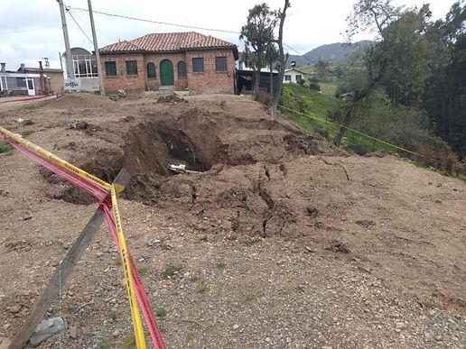 En riesgo cuatro viviendas y un colegio de Ventaquemada