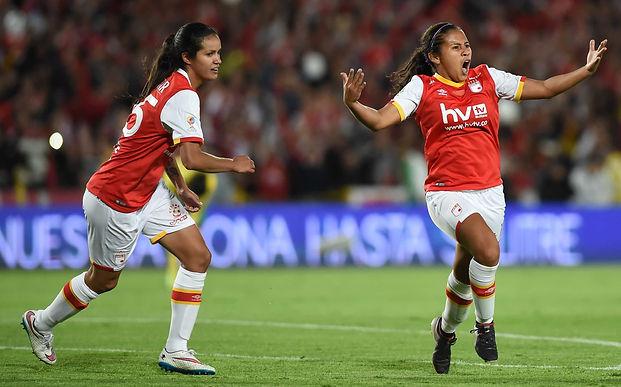 Crece la polémica por la Liga Femenina de Fútbol