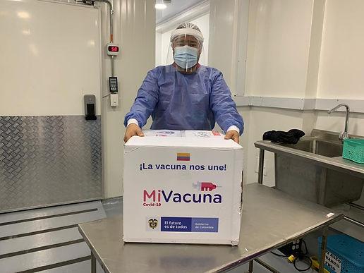 Empezó la vacunación en municipios boyacenses, priorizando profesionales de la salud y adultos mayores