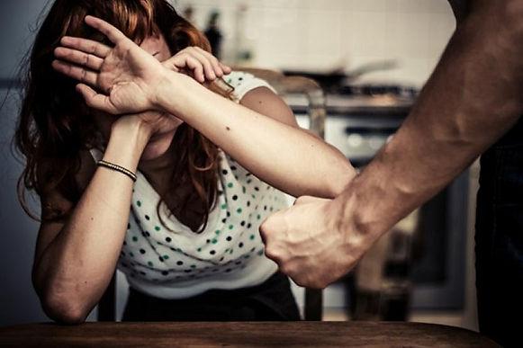 Tribunal confirmó sentencia por violencia intrafamiliar contra hombre que golpeó en varias oportunidades a su compañera sentimental