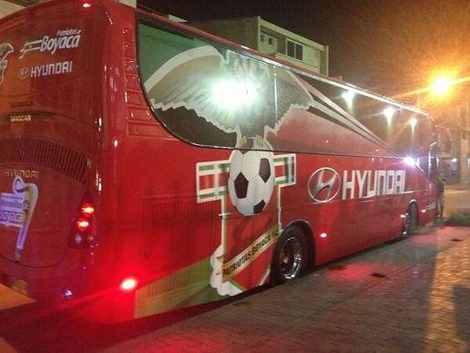 El bus de Patriotas sufrió violento ataque